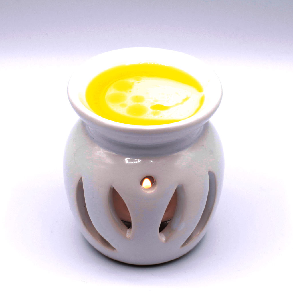 Duftlampe mit ätherischem Öl
