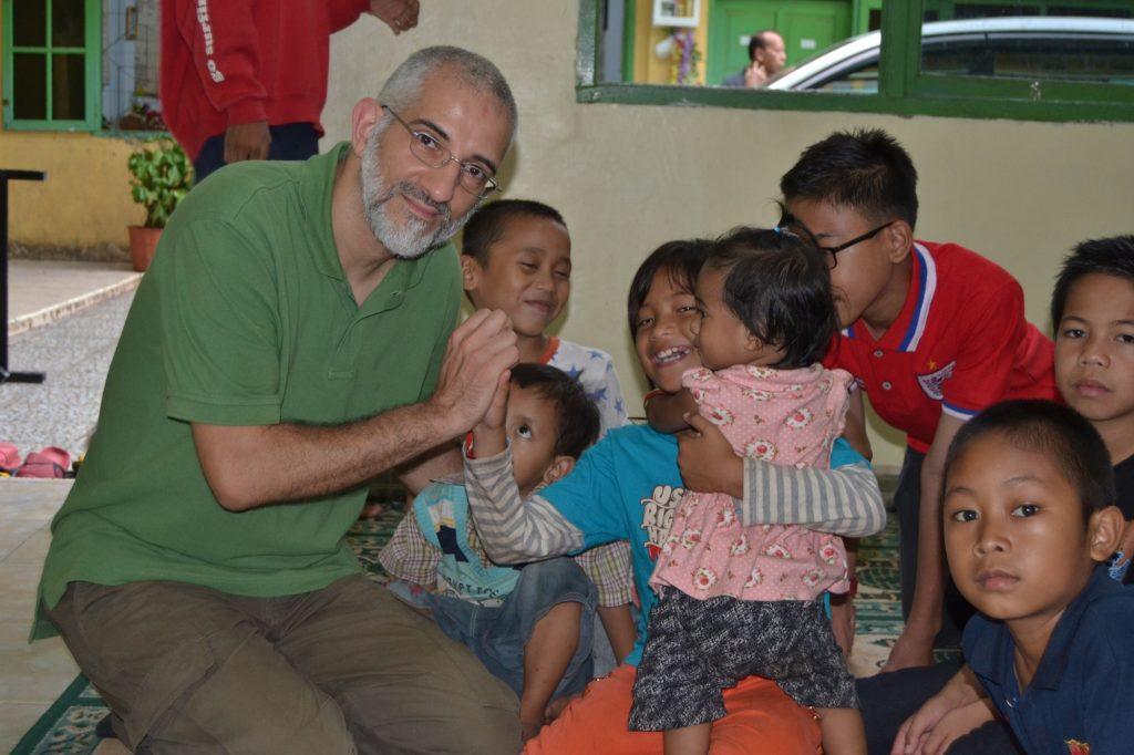 Hatem-Imran-auf Projektreise in Indonesien
